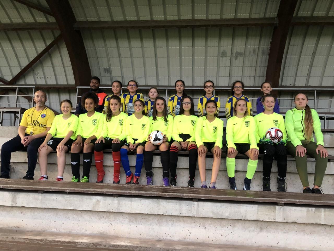 Photo d'équipe U10 et U13 F